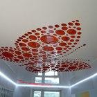 Натяжные потолки разлицных цветов и фактур