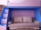 Двухъярусная кровать и шкаф