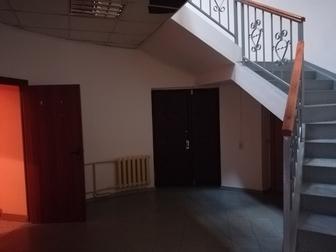 Номер объекта в базе: 23338 ,  Вашему вниманию предлагается в аренду помещение свободного назначения 32,1 кв, м,  , 1 этаж,  Отличное расположение, высокий пешеходный в Дмитрове