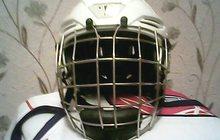 шлем хоккейный Warrior с решеткой ,белый