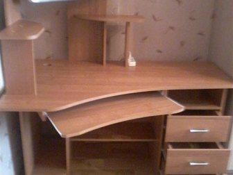 Увидеть изображение Столы, кресла, стулья Компьютерный стол б/у в идеальном состоянии без следов эксплуатации, с подсветкой 34681635 в Гатчине
