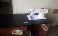 Продам швейную машинку чайку 142м
