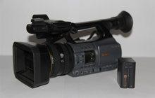 Видеокамеру продам