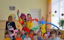 Веселая клоунесса на детский праздник