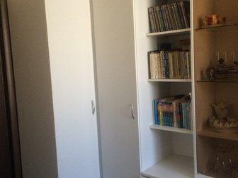 Скачать бесплатно фото Двери, окна, балконы Стенка белая угловая в отличном состоянии! СРОЧНО 32738973 в Краснодаре
