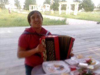 Увидеть фотографию Организация праздников Баянист-гармонист на ваш праздник 68105164 в Красноярске