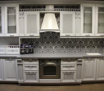 Фото в Мебель и интерьер Кухонная мебель Продам совершенно новый (в упаковке) кухонный в Красноярске 190000