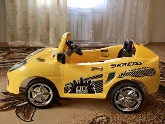 Электромобиль Kreiss в отличном состоянии,  Движение вперёд, назад, свет, звук,  Зарядное устройство и пульт управления в комплекте,  Новый аккумулятор, Состояние: в Кургане