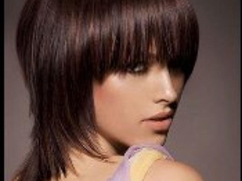 Choppy shoulder length hair