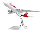 Скачать бесплатно foto Коллекционирование Модель самолёта Бразильских авиалиний Airlines Boeing 777 Airways 38593233 в Липецке