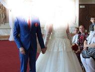 свадебное платье продам свадебное платье цвета шапмань, размер 48-50 юбка (сетка