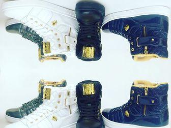 Скачать бесплатно foto  скейтшоп хип хоп одежда обувь для танцев 34715446 в Москве