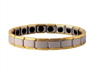 Смотреть foto Салоны красоты Изысканные браслеты с турмалином 38445209 в Москве