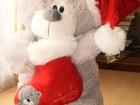 Скачать фотографию Детские игрушки Мишка Санта Клаус в колпаке 28421050 в Москве