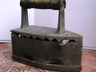 Просмотреть фотографию  Старинный утюг 37385992 в Нальчике