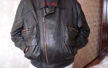 Продам черную кожаную куртку
