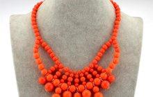 Продам оранжевое ожерелье
