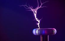 Праздник в научном стиле – электрическое Шоу Тесла