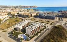 Недвижимость в Испании, Новая квартира рядом с пляжем от застройщика