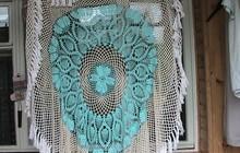 Скатерть и наволочки, связанные из ниток
