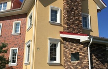 Продаётся 4-х этажный кирпичный таунхаус в охраняемом поселке