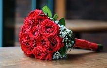 Шляпные коробки из белых роз