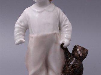 Уникальное фото  Статуэтка Мальчик с мишкой, ЛФЗ, 1940-50 г, 32309991 в Москве