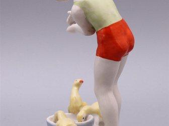 Увидеть фото  Статуэтка Девочка с гусятами, Дулево, 1950-60 г, 32356096 в Москве