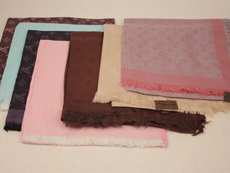 Увидеть фотографию Аксессуары платок Hermes шелковый 32384304 в Москве