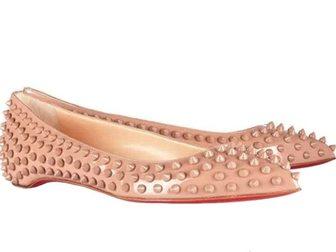 Скачать бесплатно фотографию Женская обувь Туфли лодочки Christian Louboutin Shoes With Spikes 32424458 в Москве