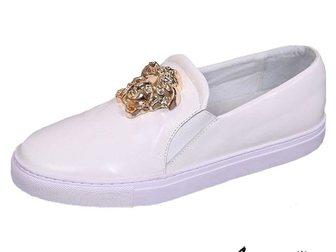 Просмотреть foto Мужская обувь Кеды Versace Leather Medusa 32797639 в Москве
