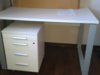 Свежее foto Мебель для детей Совершенно новый письменный стол и тумба выкатная с ящиками белого цвета 33170523 в Москве