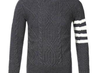 Увидеть foto Мужская одежда Свитер мужской Thom Browne 33254445 в Москве