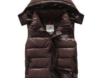 Смотреть изображение Мужская одежда Женская жилетка от Moncler 33334834 в Москве