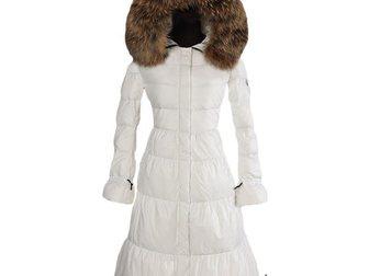 Скачать бесплатно изображение  Зимнее длинное женское пальто-пуховик от Moncler 33374062 в Москве