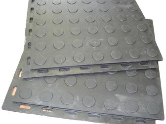 Просмотреть foto Отделочные материалы Напольное покрытие для гаража из сборной резиновой плитки с замочками 37798324 в Москве