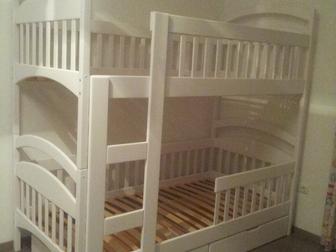 Смотреть фотографию  Двухъярусная кровать Дарина из дерева, разборная 38653103 в Москве