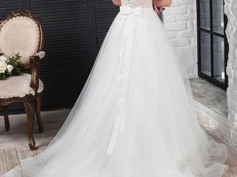 Смотреть фотографию Свадебные платья Невероятно красивое свадебное платье от дизайнера 39713551 в Москве