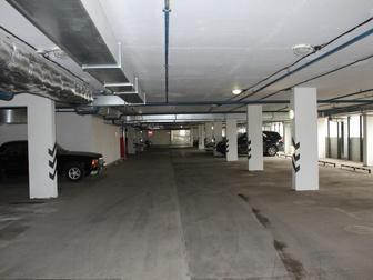 Продажа машиноместа в крытом 6-этажном паркинге, лифт с 1-го по 6-й этажи,  Круглосуточная охрана,  На первом этаже мойка автомобилей и автосервис, у выезда расположена в Москве