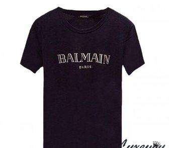 ���������� � ������ � �����, ���������� ������� ������ ��������� �������� �� Pierre Balmain. � ����� � ������ 2�500