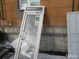 Продаются вместе с коробкой и возвратным механизмом, Размеры: Пластиковая дверь со стеклом 900 на 2400В наличии есть еще несколько вариантов - все вопросы по телефону, в Нижнем Тагиле