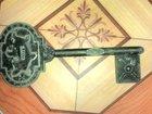 Смотреть фото Антиквариат Продам антиквариатный ключ от Петропавловской крепости 1703 года 33232339 в Новосибирске