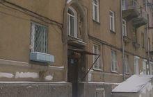 Продам трехкомнатную квартиру на первом этаже. Комнаты смежн