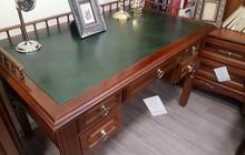 Продам классический письменный стол