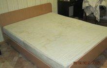 Отдам двухспальную кровать