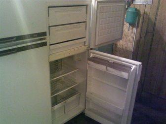 Скачать фотографию  Холодильник двухкамерный хороший 32353318 в Новосибирске