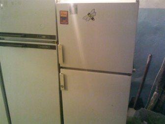 Уникальное фотографию  Холодильник двухкамерный хороший 32353318 в Новосибирске