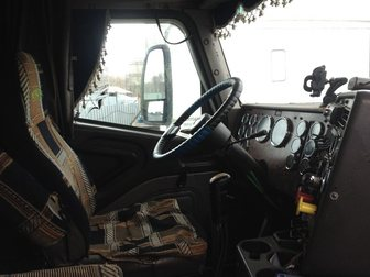 Скачать изображение Капотный тягач Седельный тягач Интернейшнл 32675414 в Новосибирске