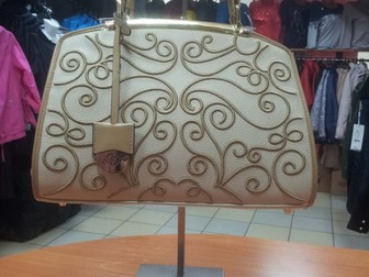 Смотреть foto Разное Подставки для сумок, 35605274 в Новосибирске
