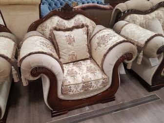 Просмотреть фотографию Мягкая мебель Продам комплект мебели Юнна-Эллада, диван, 2 кресла 69381519 в Новосибирске